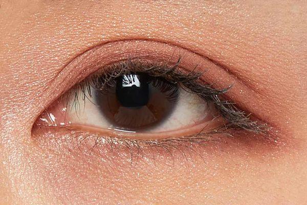 しっとり質感でまぶたに密着!カーキカラーでクールな目元を演出するベージュムートンをご紹介に関する画像30