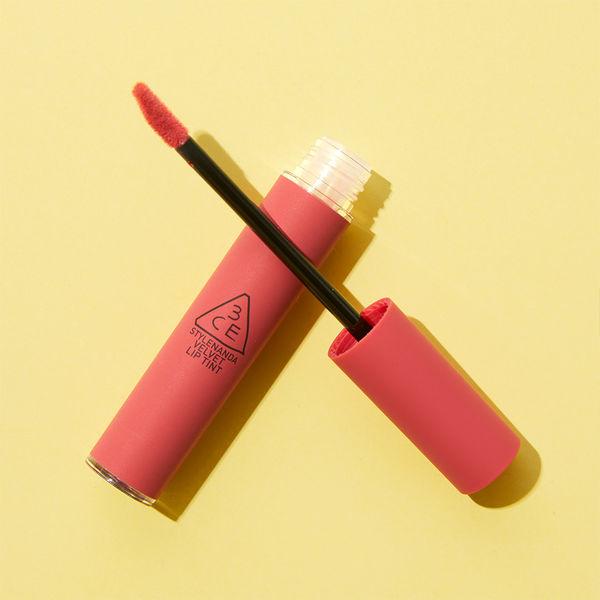 くすみピンクのリップティントで儚い女性を演出しましょう!に関する画像1