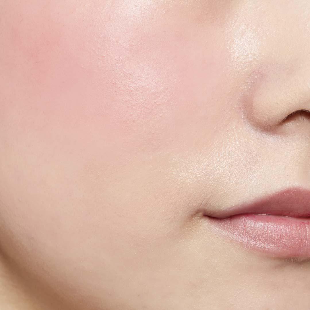 鮮やか発色で色持ちも◎ ジュワッと火照った頬を演出するピンクチークに関する画像37