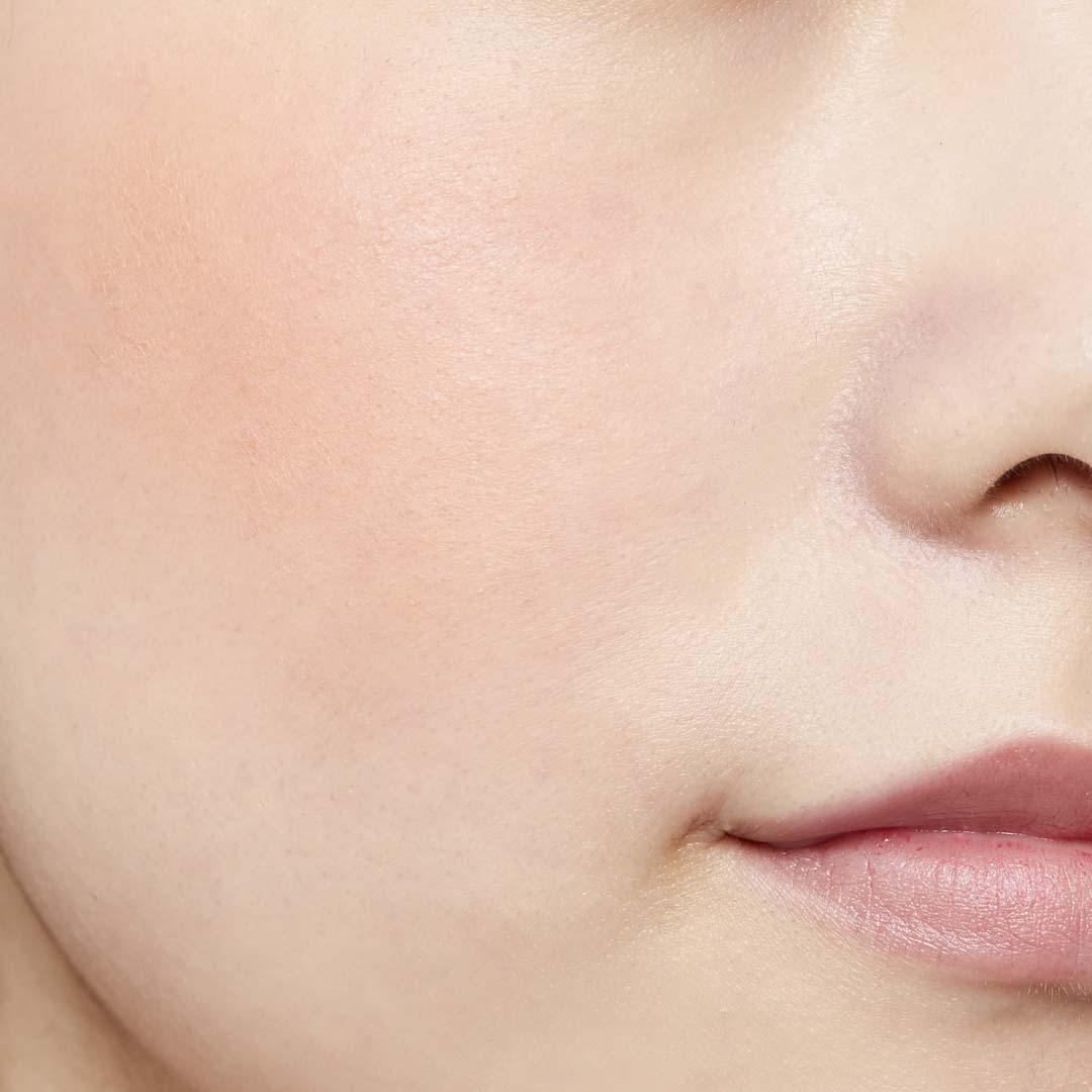 鮮やか発色で色持ちも◎ 透明感あふれる肌を演出するヴァイオレットチークに関する画像22