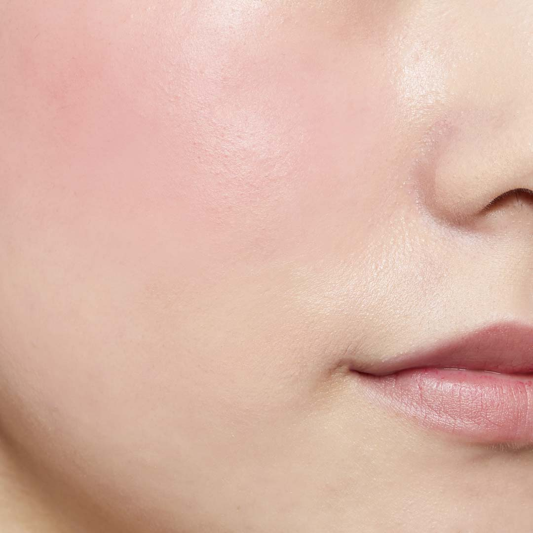 鮮やか発色で色持ちも◎ 透明感あふれる肌を演出するヴァイオレットチークに関する画像37