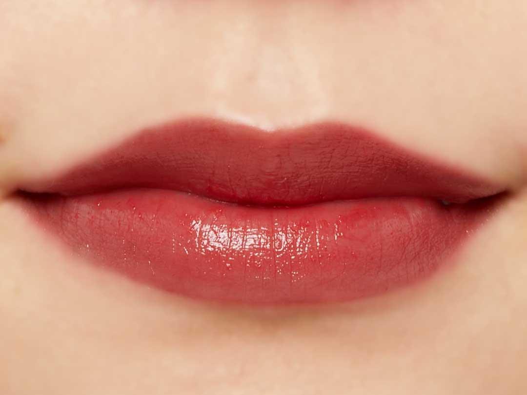 高発色、高保湿の万能リップ『グレイズバームリップ』のGB05 カシスロゼをご紹介 に関する画像18