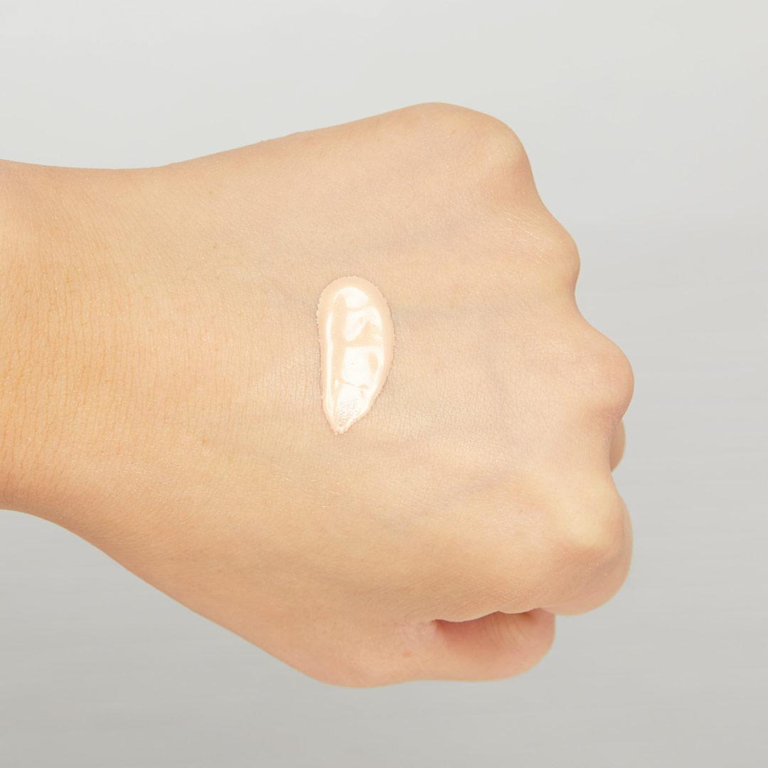 内側から光り輝くツヤ肌に♡ 透明感あふれる肌に仕上がるブルーグロウをご紹介に関する画像25