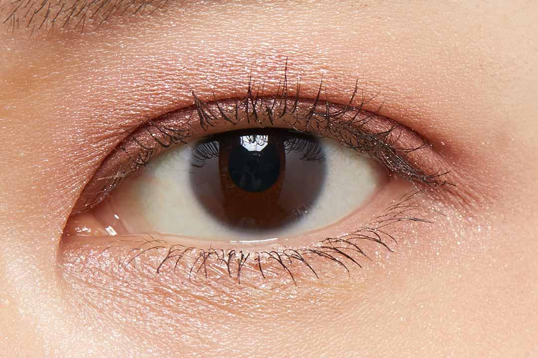 なめらかな質感でしっとり密着!ピンクブラウンカラーが万能すぎるCLIOプロシングルアイシャドウP59をレポ!!に関する画像8