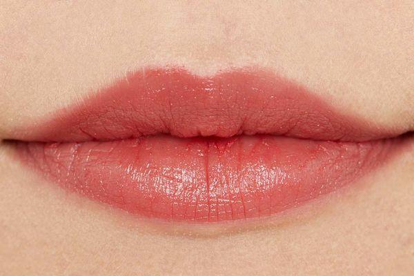 口角を上げて女性らしさアップ! じゅんわり色気溢れる赤リップに関する画像13