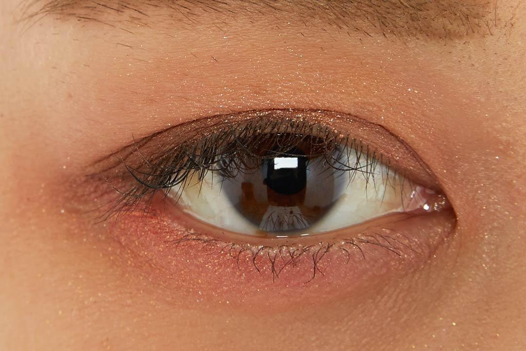 アイムミミ マルチキューブ 002オールアバウトアップルレッド コンパクトさで大人気!色気溢れるレッド系パレットに関する画像27