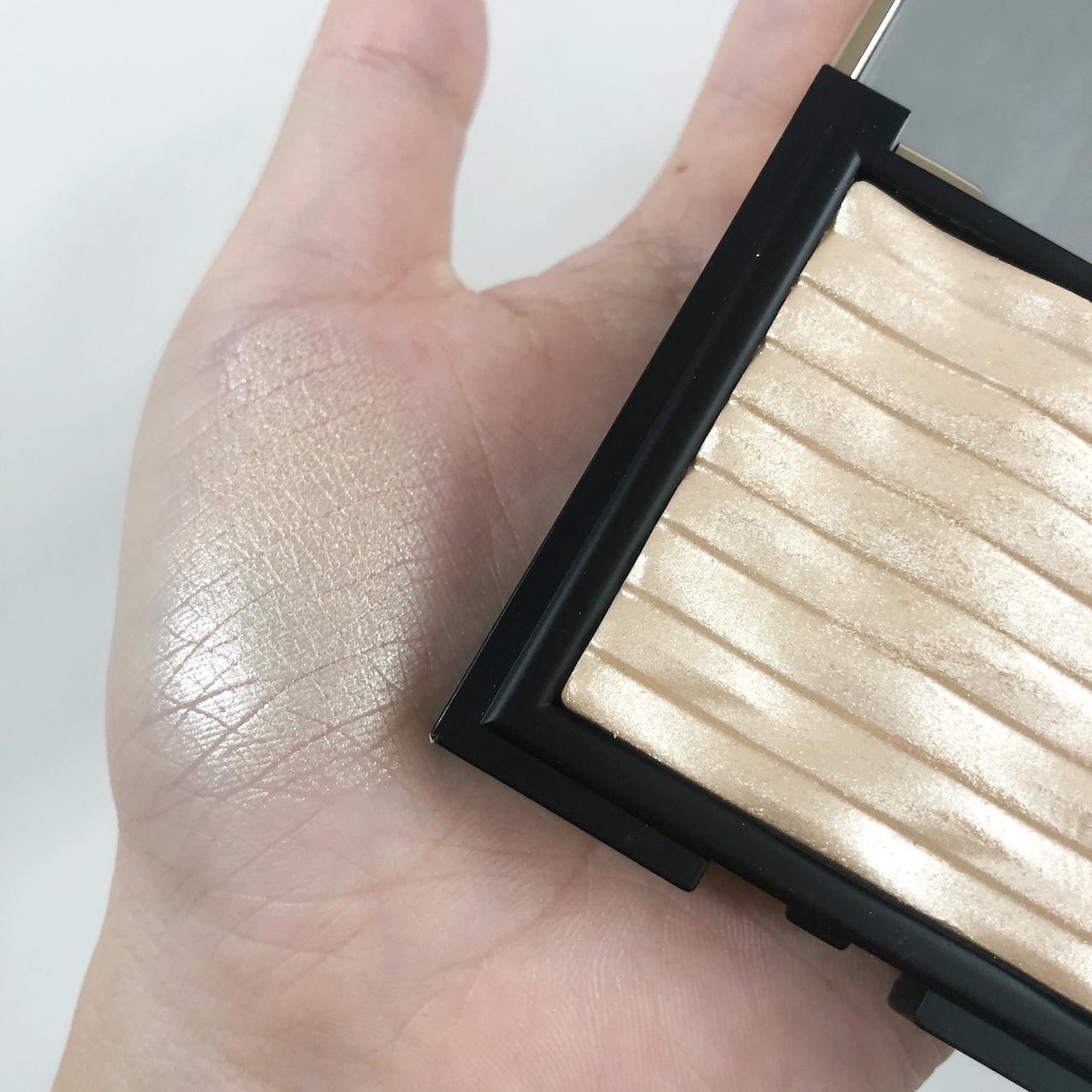透き通るクリアなツヤ肌を演出してくれる優秀ハイライターに関する画像15