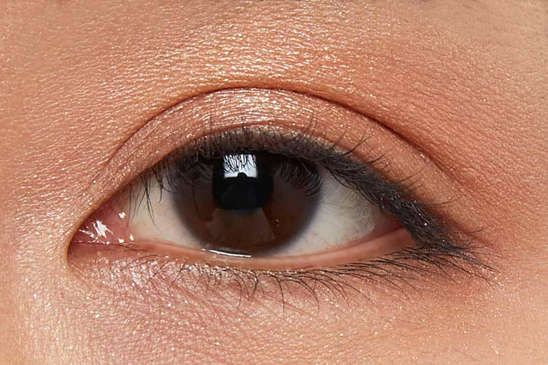 偏光パールで上品な煌めき!柔らかいピンクにブルーの輝きを秘めたハレーションをご紹介に関する画像35