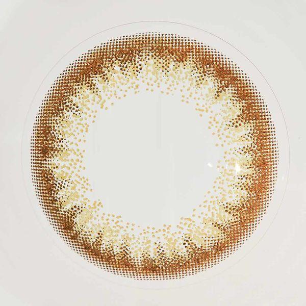 上品さが絶妙な色素薄い系カラコン ファッショニスタのヘーゼルハニーに関する画像4
