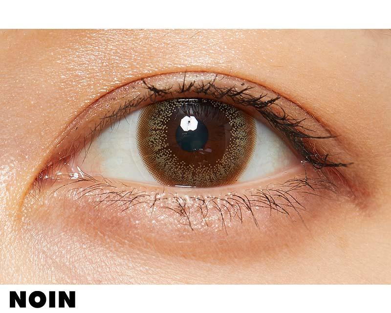 上品さが絶妙な色素薄い系カラコン ファッショニスタのヘーゼルハニーに関する画像7