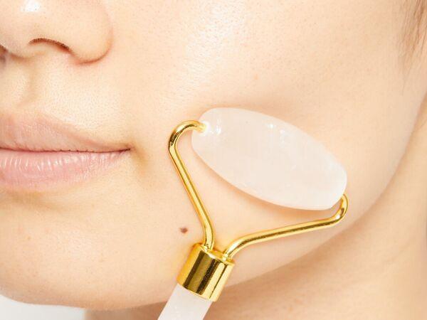 天然石で美顔マッサージ! sugar.C beauty(シュガーシービューティー)『クォーツフェイシャルローラー 水晶』をレポに関する画像10