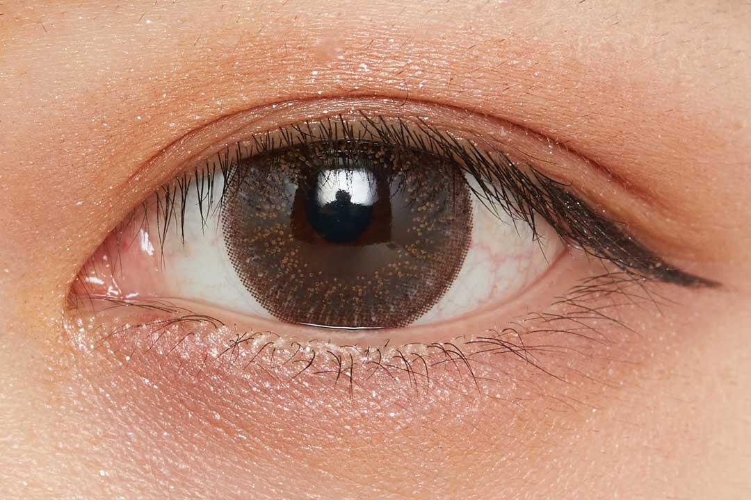 濡れたようなツヤを叶え、まぶたに密着!色気溢れるバーガンディで大人な女性に導くクリームアイシャドウに関する画像18
