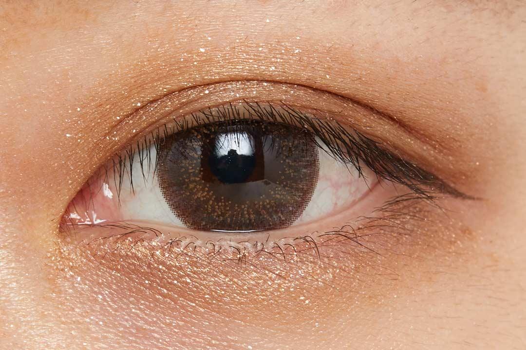 濡れたようなツヤを叶え、まぶたに密着!色気溢れるバーガンディで大人な女性に導くクリームアイシャドウに関する画像26