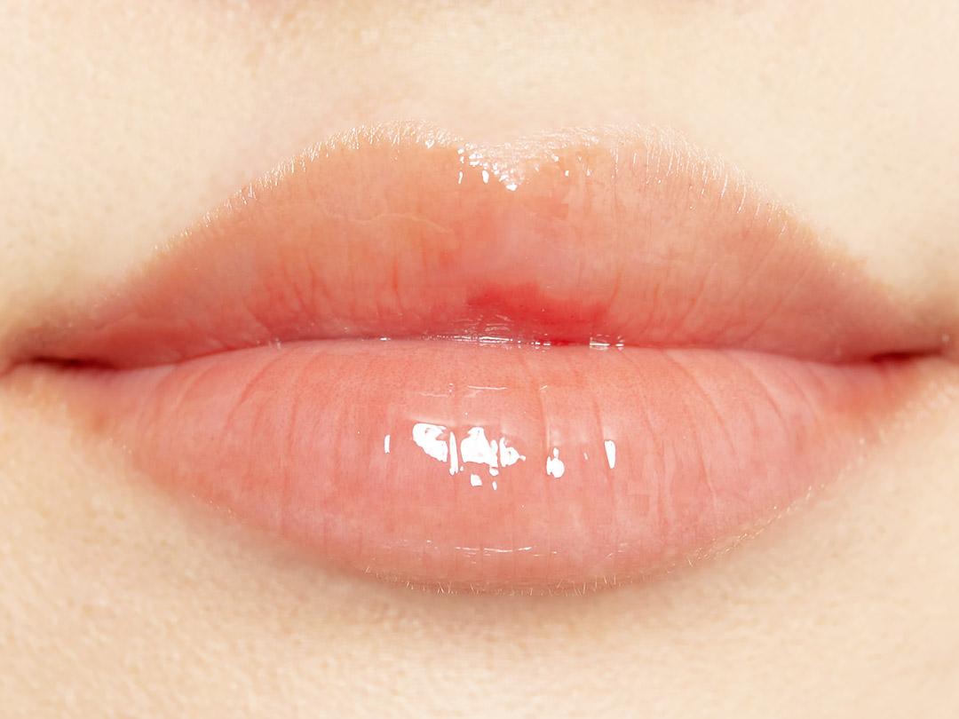ふっくらジューシーな唇に♡コーラルカラーがあざとかわいいグロスオイルに関する画像30