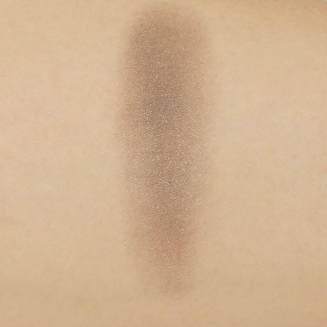 Celvoke(セルヴォーク)『ヴォランタリーアイズ 18 フォレストグリーン』の使用感をレポに関する画像12