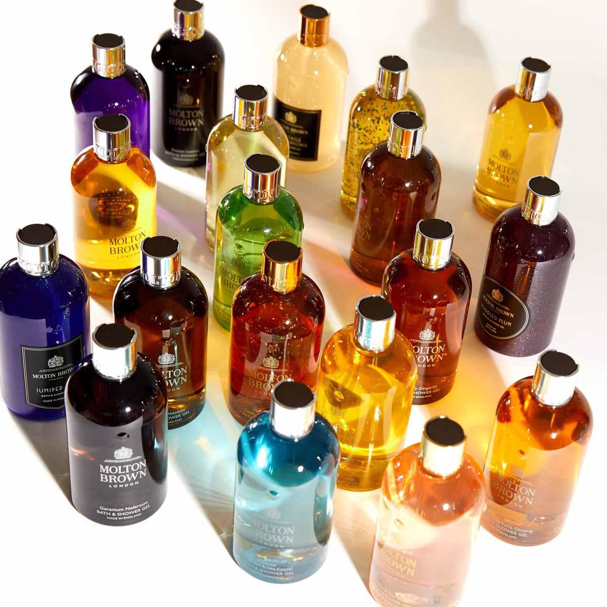 ホワイトフローラルの華麗な香り。モルトンブラウン『フローラ ルミナーレ バス&シャワージェル』のご紹介に関する画像1