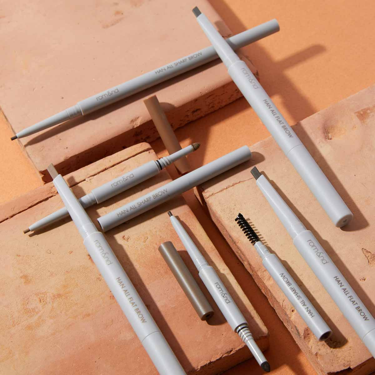 rom&nd(ロムアンド)『ハンオールシャープブロウ c2 グレーストープ』の使用感をレポに関する画像1