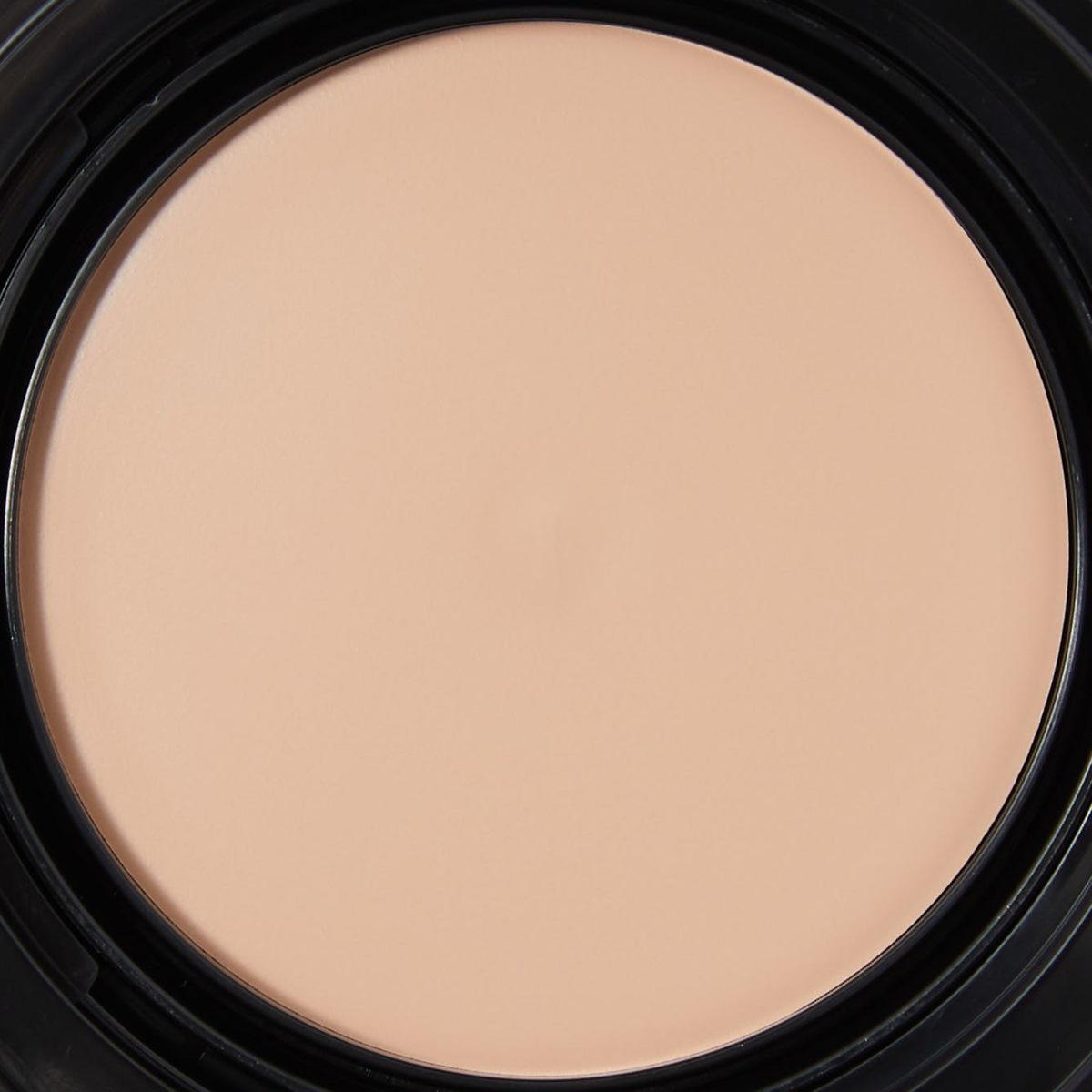 KATE(ケイト)『レアペイントファンデーションN 01 やや明るめの色』の使用感をレポに関する画像8