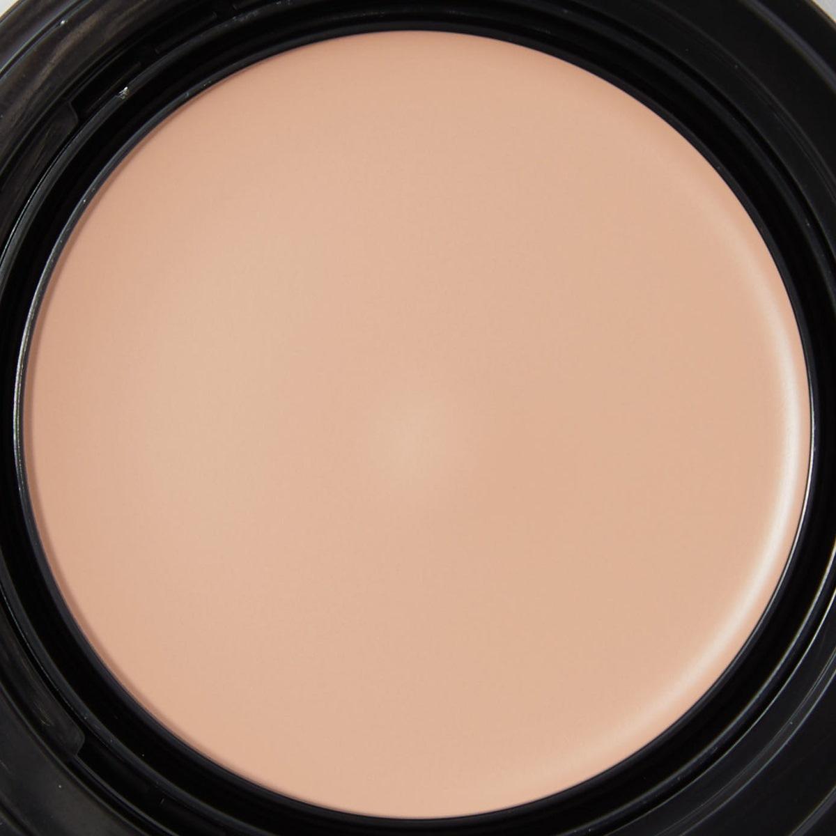 厚塗り感が出ないKATE(ケイト)『レアペイントファンデーションN 02 基準となる色』をご紹介に関する画像4