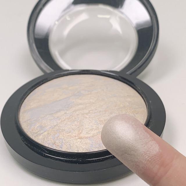 お肌を磨き上げたかのような輝き。M.A.Cの名品ハイライト ライトスカペード おすすめの使い方をご紹介!に関する画像8