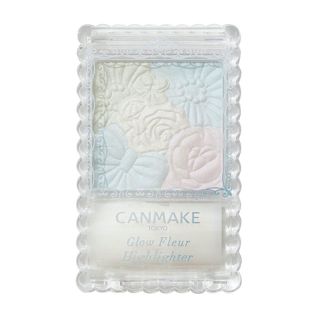 透明感あふれる肌を演出するCANMAKE(キャンメイク)の『グロウフルールハイライター 01 プラネットライト』をご紹介 に関する画像13