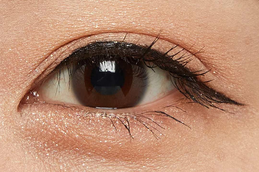 メイクオフは簡単なのに、落ちにくい!黒色だけど少し透け感のあるリキッドアイライナーに関する画像11