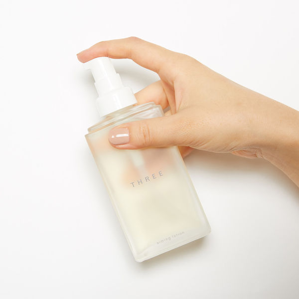 しっとり保湿でパッと明るい肌へ導く化粧水に関する画像1