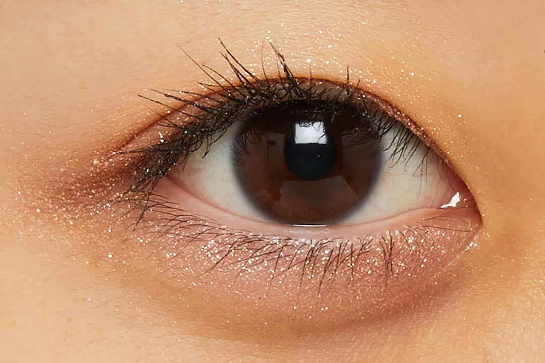 透明感溢れるキラキラアイシャドウ・・・!?目元に血色感とかわいらしさをプラスするヌードピンクをご紹介に関する画像23
