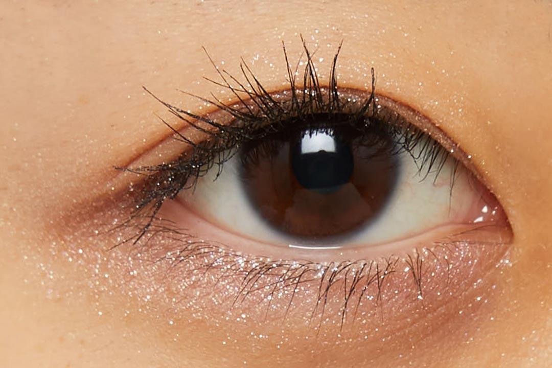 透明感溢れるキラキラアイシャドウ・・・!?目元に血色感とかわいらしさをプラスするヌードピンクをご紹介に関する画像16
