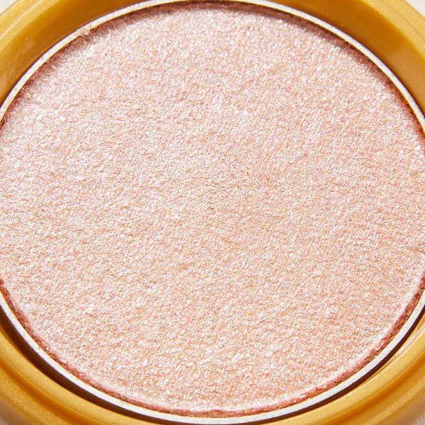 透明感溢れるキラキラアイシャドウ・・・!?目元に血色感とかわいらしさをプラスするヌードピンクをご紹介に関する画像6
