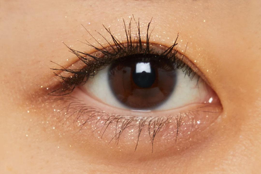 透明感溢れるキラキラアイシャドウ・・・!?目元に血色感とかわいらしさをプラスするヌードピンクをご紹介に関する画像38