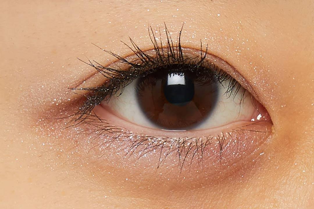 透明感溢れるキラキラアイシャドウ・・・!?目元に血色感とかわいらしさをプラスするヌードピンクをご紹介に関する画像43