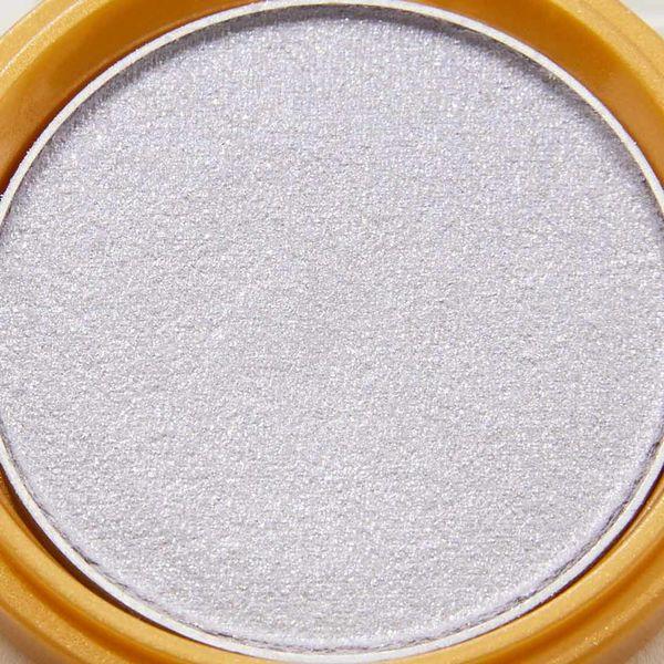 透明感溢れるキラキラアイシャドウ・・・!?目元をパッと明るくしてくれるアイスグレーをご紹介に関する画像6