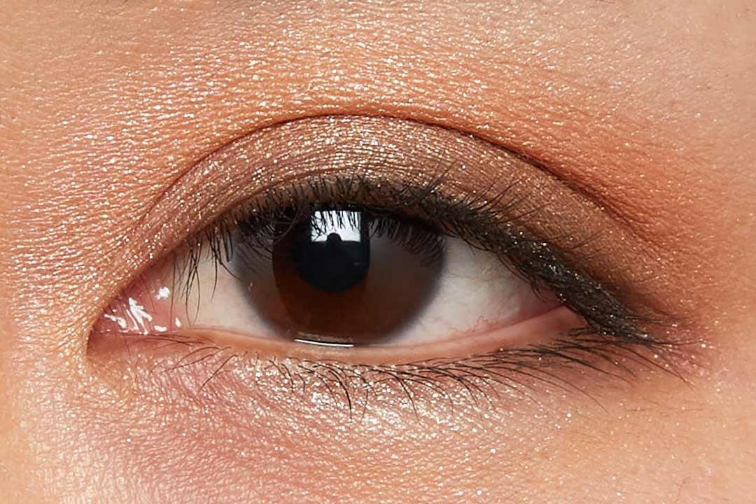 肌に溶け込むシースルー発色!フェミニンでクールなカラー  に関する画像14