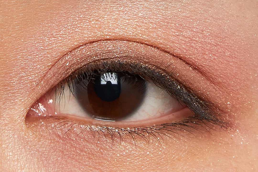 肌に溶け込むシースルー発色!フェミニンでクールなカラー  に関する画像18