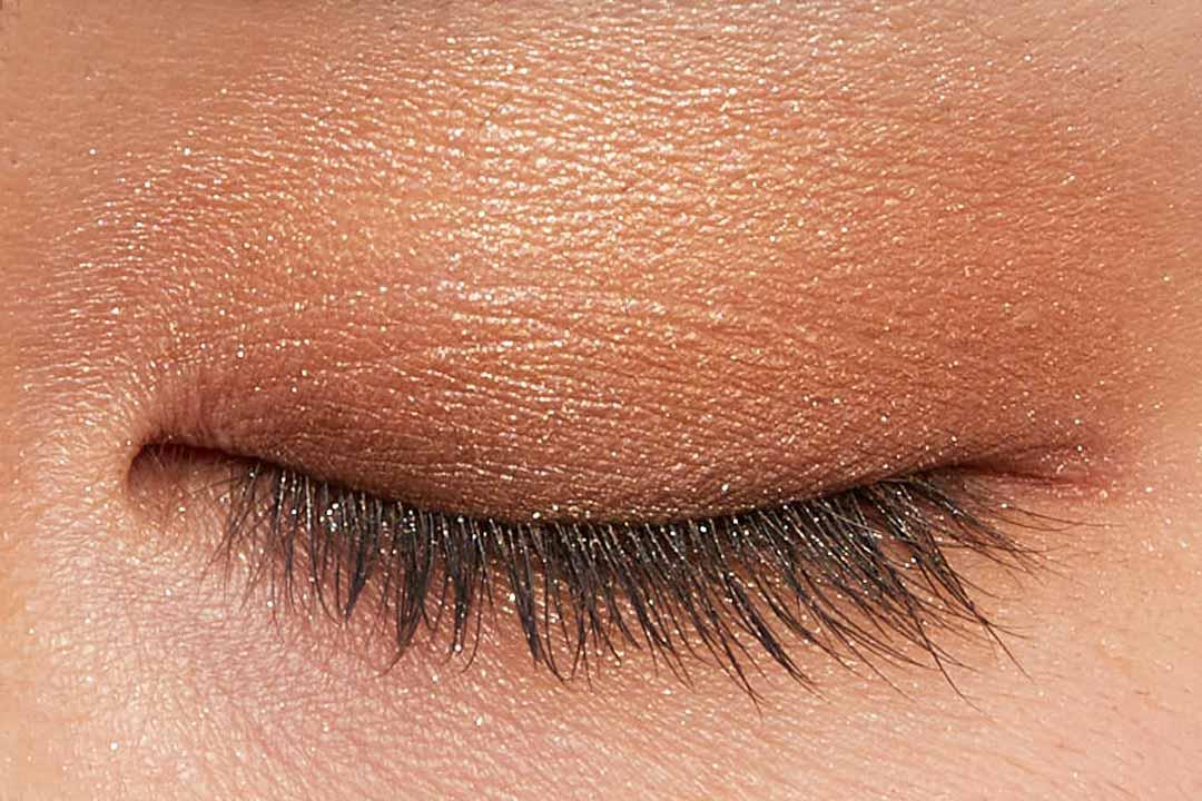 肌に溶け込むシースルー発色!フェミニンでクールなカラー  に関する画像27