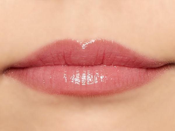 """唇の色を""""隠さずいかす""""! うるつやシアーな発色のスリークグロウリップ『ベビーレッド』をご紹介に関する画像27"""