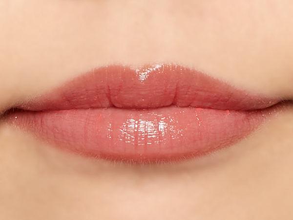 """唇の色を""""隠さずいかす""""! うるつやシアーな発色のスリークグロウリップ『ピーチメルバ』をご紹介に関する画像11"""