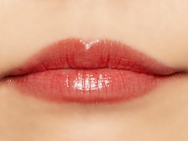 """唇の色を""""隠さずいかす""""! うるつやシアーな発色のスリークグロウリップ『ピーチメルバ』をご紹介に関する画像38"""