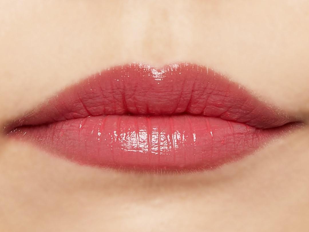 自然なツヤ感&ぷっくりリップで思わずkissしたくなる唇に♡ ポップなビビッドピンクがかわいいベリーピンクをご紹介に関する画像11