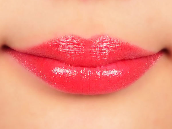 程よい透け感で取り入れやすい赤リップは1本持っておきたい!に関する画像13
