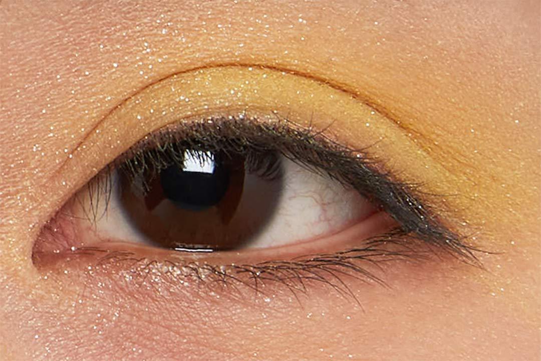 自分の肌に合う色はどれ?おすすめ単色シャドウ16選と目の形に合わせた塗り方解説の画像