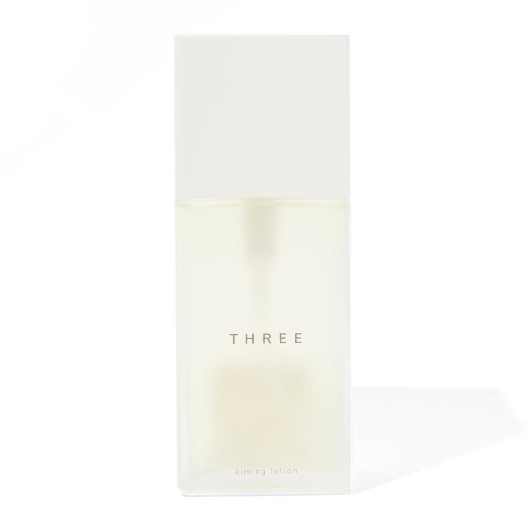 しっとり保湿でパッと明るい肌へ導く化粧水