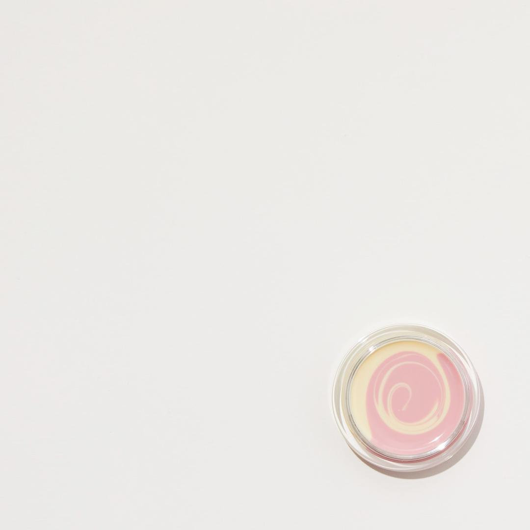 m.m.mコスメで肌に優しいメイクを! コスメキッチンで話題のブランドの画像