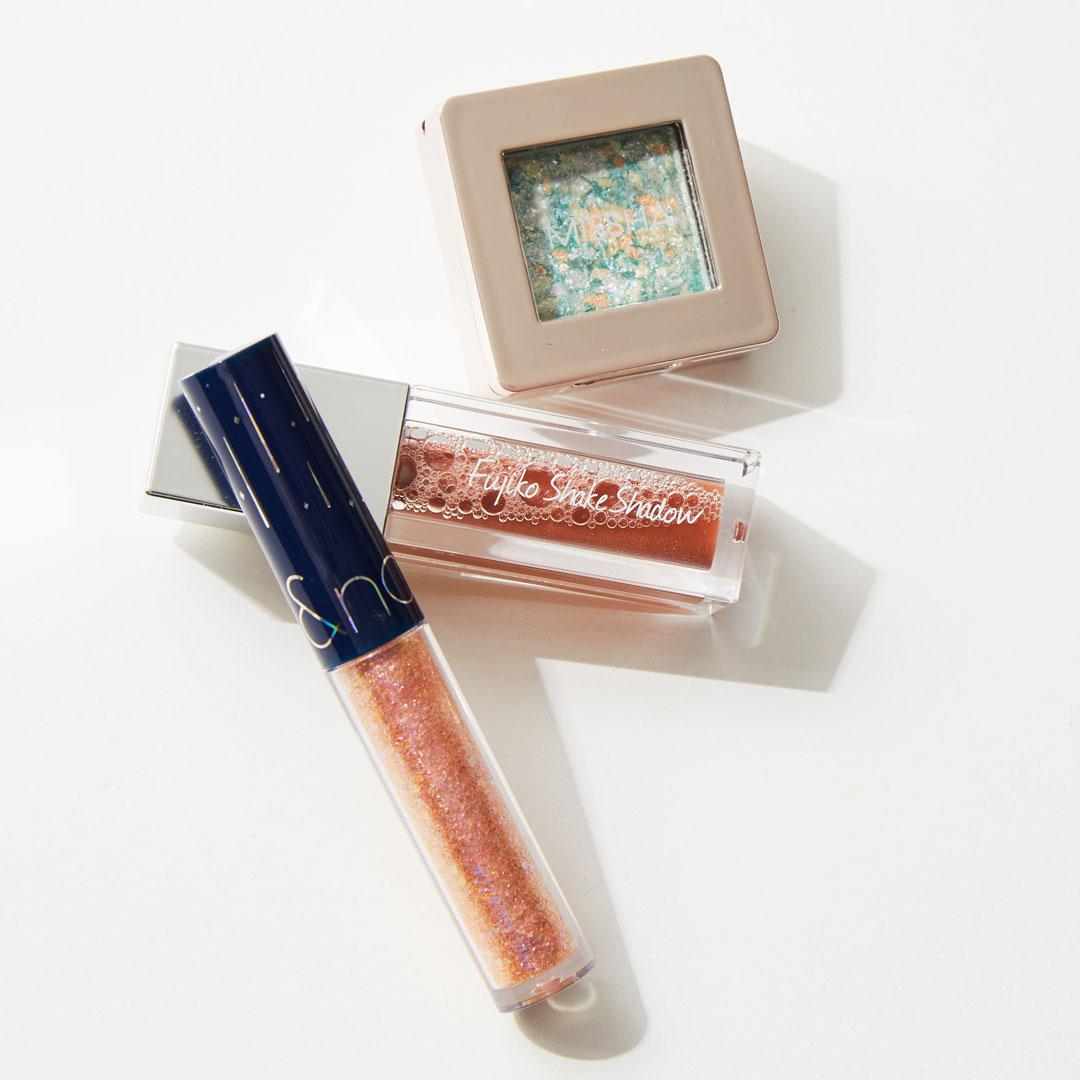 ラメアイシャドウで潤んだ目元を手に入れよう! 塗り方とおすすめの商品12選紹介の画像